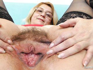 смотреть порно старые волосатые пизды