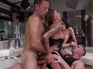 групповое порно с женой скачать