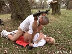 Секс пьяных зрелых русских женщин