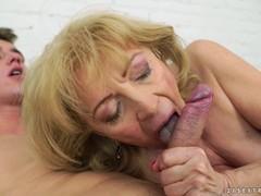 порно зрелых баб на телефон