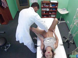 Порно скрытая камера женская мастурбация